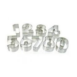 Lot de 9 découpoirs gros chiffres fer blanc